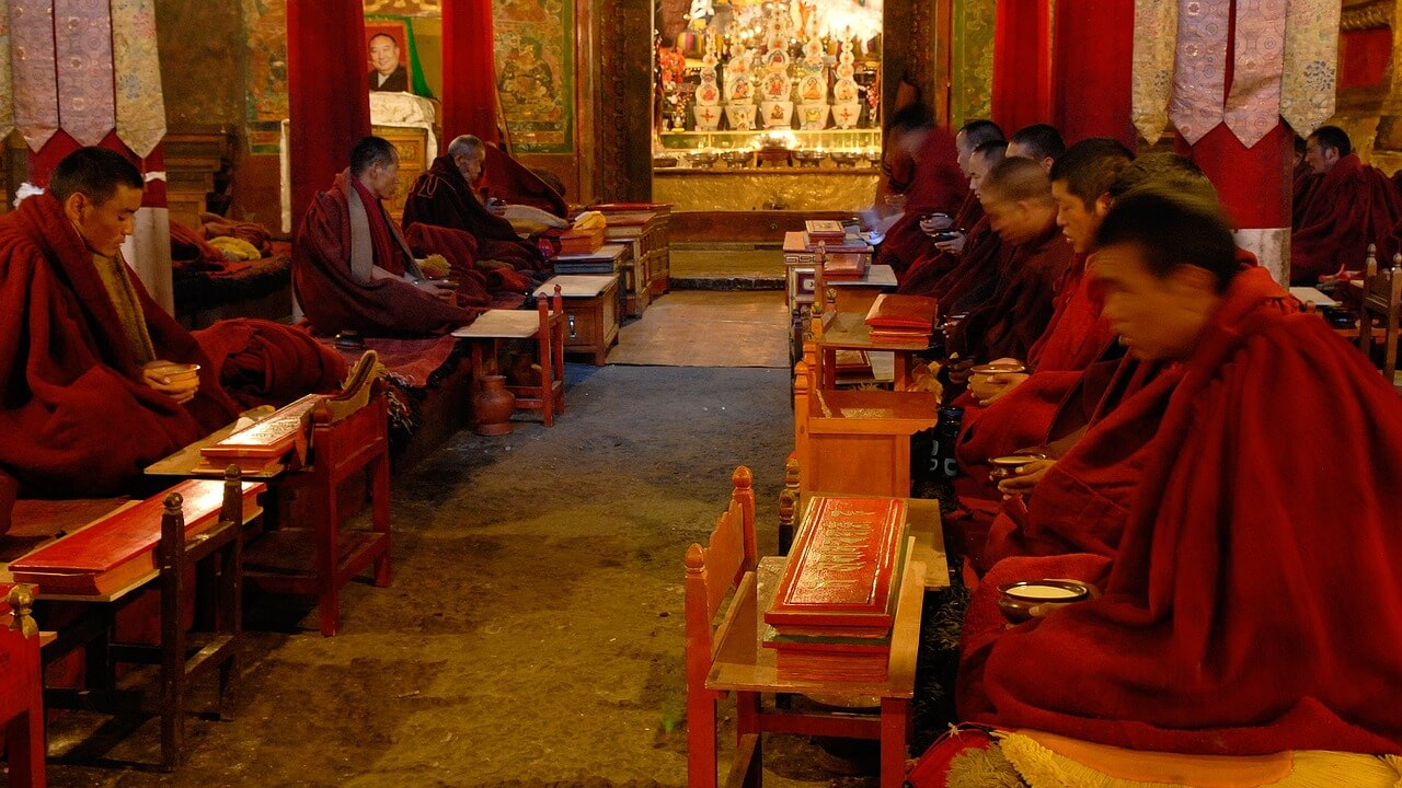 Young Tibetan Refugees Who Fled China Seeking Education Arrive in India