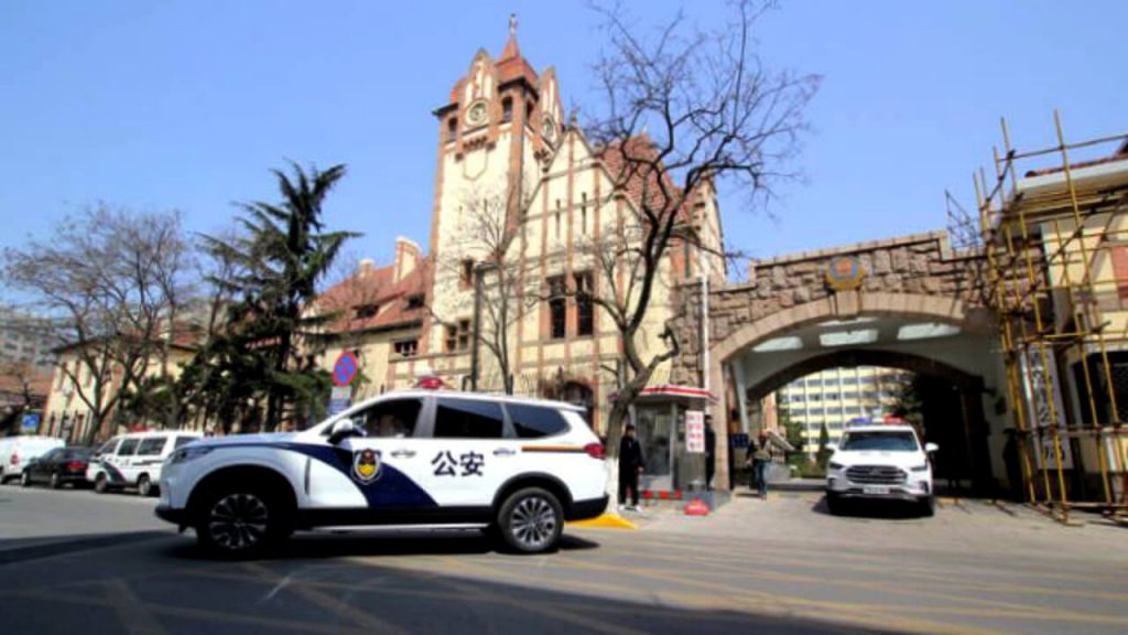 Qingdao police officers dispatched (Image from the Internet)