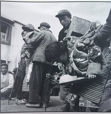 Tibet: Sampho and his wife during the Cultural Revolution