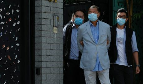 Hong kong police arrested Jimmy Lai Chee-ying and his family