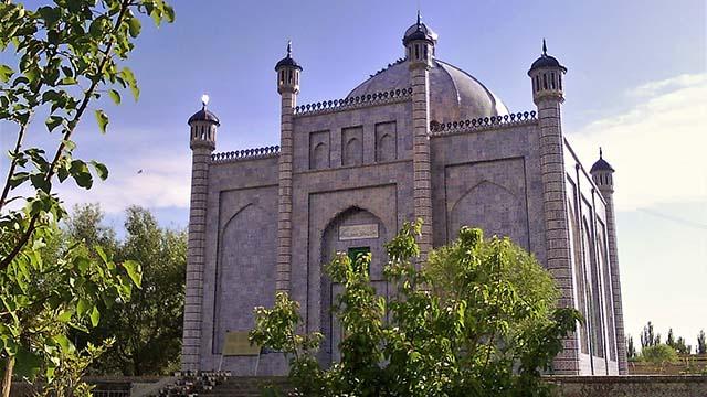 """Museumified"" mazar of Sultan Satuq Bughrakhan, Artush"