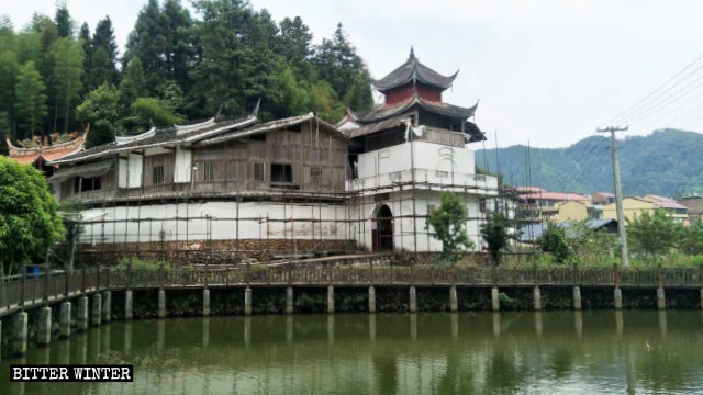 Ancient Temples Converted into Revolutionary Bases