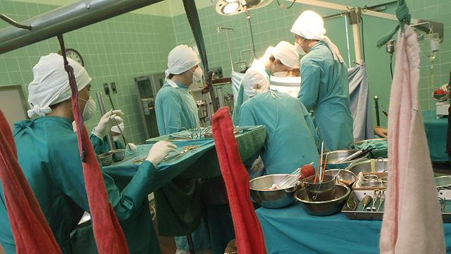 Reconstruction of Dr Barnard's first human heart transplantation in December 1967