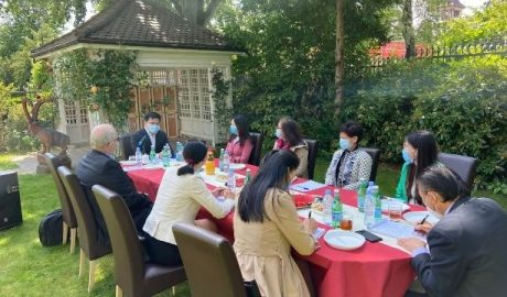 The COVID-19 notwithstanding, the Consul General bought a lunch to the associations' representatives who attended the May 30 ceremony.